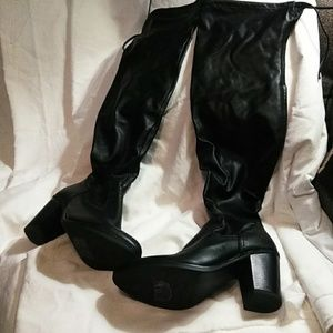 Knee high Boots 8.5